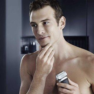 Shaving with Braun Series 7 760cc