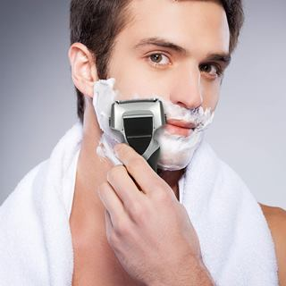 Shaving with Panasonic ES8103S Arc3