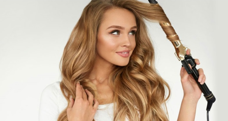 cf21af11cce Best Curling Iron For Beach Waves  The Tools You Need To Create This  Popular Style