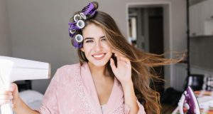 Best Hot Rollers for Fine Hair: Top 7 Choices for 2021
